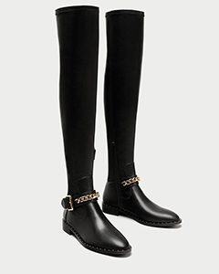 FLAT OVER-THE-KNEE BOOTS WITH CHAIN DETAIL | Hermosaz