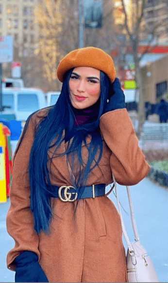 Gucci belt with beige coat and hat