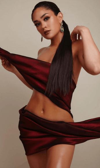 Maria model photo